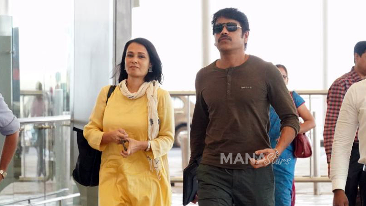 Photo of Nagarjuna And Amala Photos at Airport
