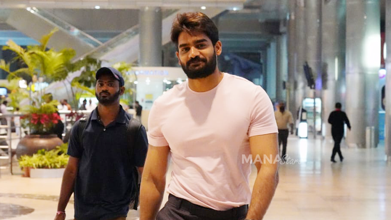 Photo of Kartikeya Photos at Airport