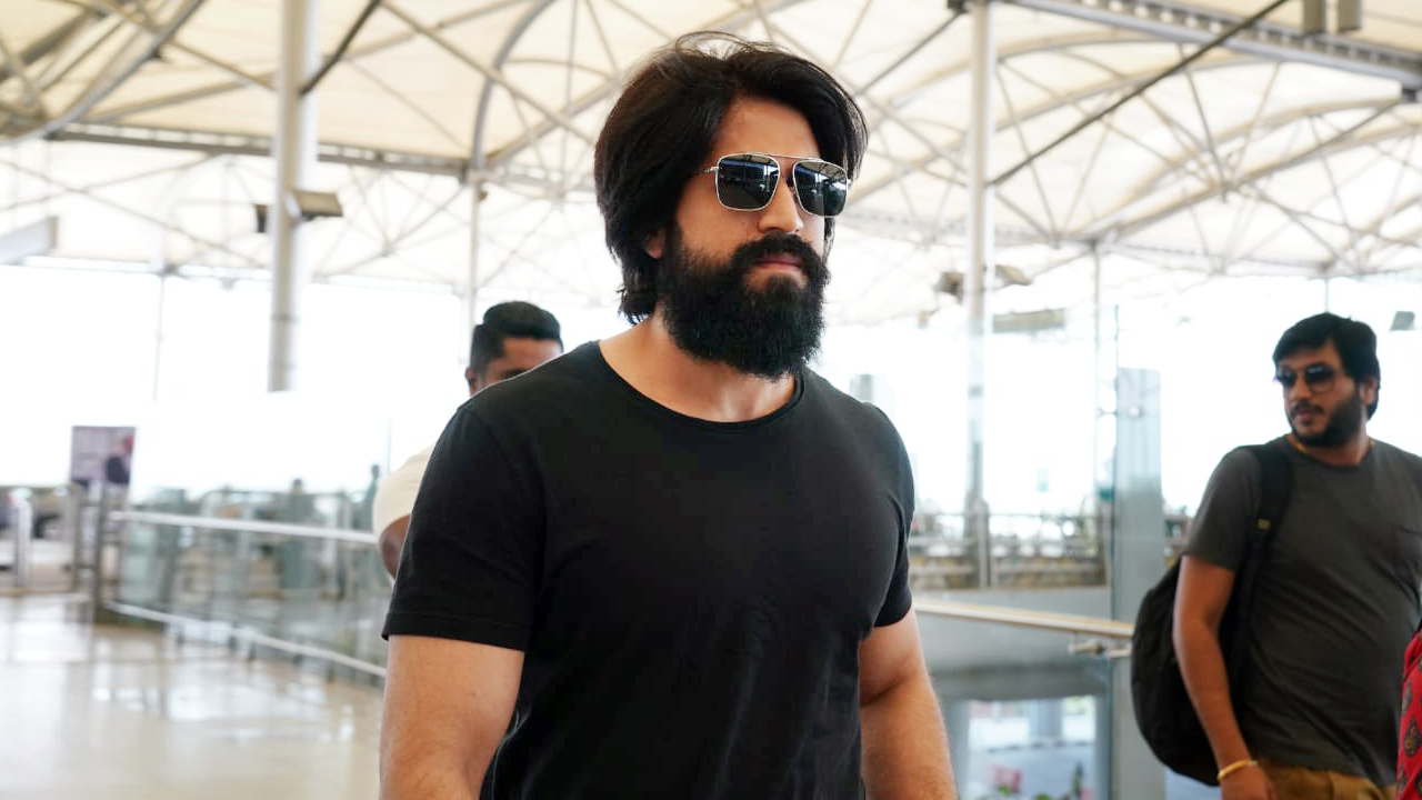 Photo of Rocking Star Yash Photos at Airport