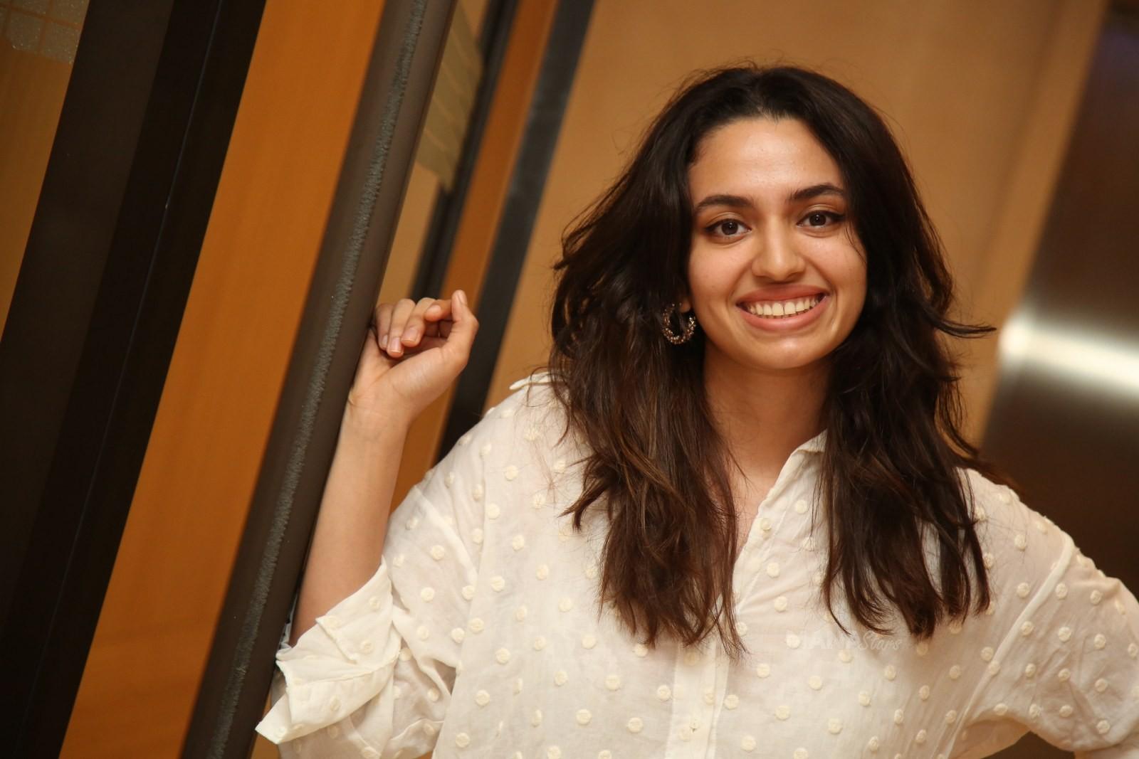 Actress Malavika Nair Photos