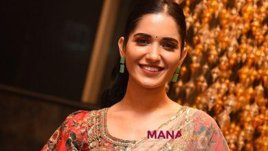 Photo of Ruhani Sharma looks Elegant